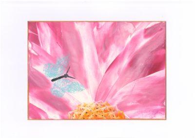 Květina s motýlem